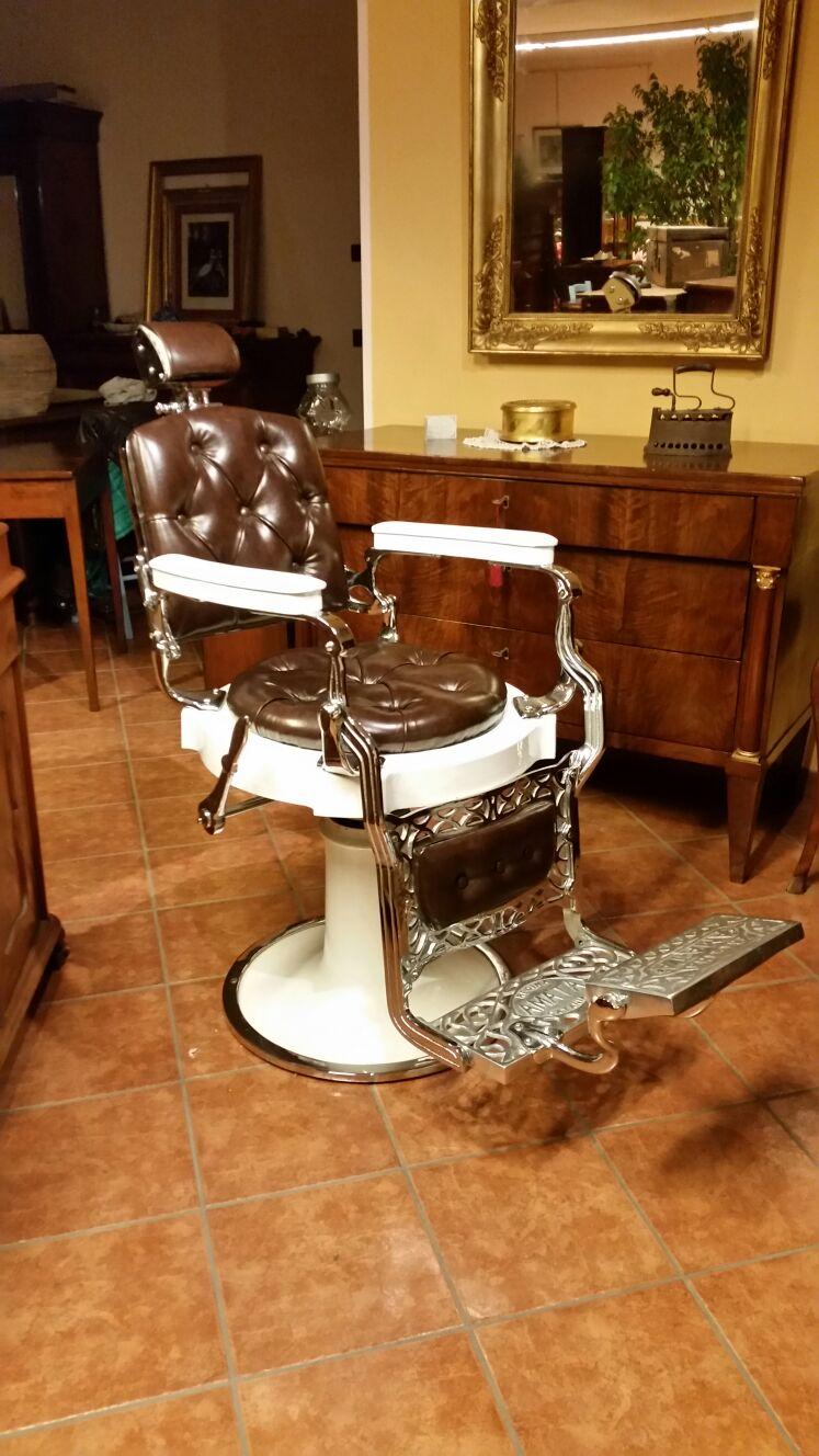 Sedie Barbiere Antiche.Poltrona Barbiere Regina Amata Catania Antichita E